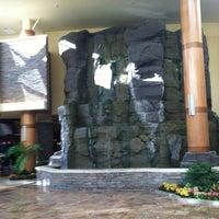 Снимок сделан в Turning Stone Resort Casino пользователем Greg R. 3/29/2013