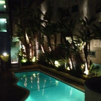 Foto tomada en Ramada Plaza West Hollywood Hotel and Suites por Anthony el 9/23/2012