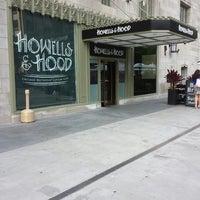 Das Foto wurde bei Howells & Hood von Akos A. am 8/21/2013 aufgenommen