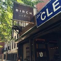 Das Foto wurde bei Birch Coffee von Phil T. am 8/8/2014 aufgenommen