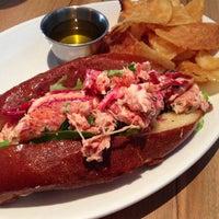 รูปภาพถ่ายที่ East Hampton Sandwich Co. โดย Brian เมื่อ 7/25/2013