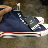 375b4340916d ... Photo taken at Converse Factory Outlet by JM S. on 3 24 2012 ...