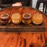 Photo prise au House of Pendragon Brewing Co. par Michael F. le12/30/2018