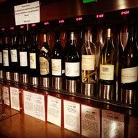 2/9/2014にChristanna H.がHoliday Wine Cellarで撮った写真