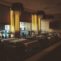 Снимок сделан в Ресторан O'Jules пользователем Anton S. 5/14/2014