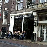 6/13/2013 tarihinde Bryce P.ziyaretçi tarafından Herengracht Restaurant & Bar'de çekilen fotoğraf