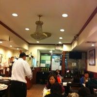 Foto diambil di Buddha Bodai 佛菩提素菜 oleh Clarissa L. pada 10/27/2012