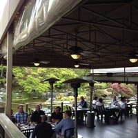 Foto scattata a Karl Strauss Brewery & Restaurant da Joanna C. il 4/30/2013