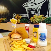 11/29/2014에 Elvan K.님이 Şef's Burger에서 찍은 사진