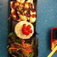 Снимок сделан в Wasabi Modern Japanese Cuisine пользователем Sandy T. 11/22/2012