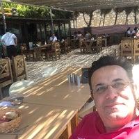 Foto diambil di Altınoluk Kahvaltı & Restaurant oleh Ayhan T. pada 8/16/2020