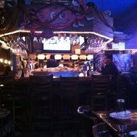 Foto diambil di King Crab Tavern & Seafood Grill oleh Sima D. pada 1/5/2013