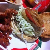 7/16/2013にDaniel M.がRuben's Hamburgersで撮った写真