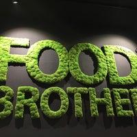 Das Foto wurde bei Food Brother von Camilo K. am 6/2/2018 aufgenommen