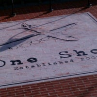 10/20/2012 tarihinde David W.ziyaretçi tarafından One Shot Cafe'de çekilen fotoğraf