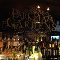 รูปภาพถ่ายที่ Park Plaza Gardens โดย Stephany Dakota L. เมื่อ 9/6/2013