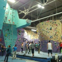 Foto tirada no(a) Brooklyn Boulders por scott .. em 11/28/2012