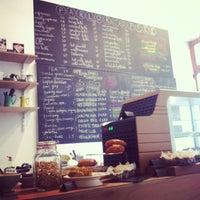 Снимок сделан в Parlor Coffee Roasters пользователем Natacha G. 1/12/2013