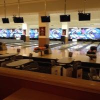 10/3/2013 tarihinde ASLI Y.ziyaretçi tarafından RollingBall Bowling'de çekilen fotoğraf