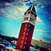 Foto tirada no(a) Venezia Palace Deluxe Resort Hotel por 🎥 🎬 HAKAN 🎬🎥 em 5/12/2013