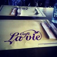 7/24/2013 tarihinde Murat Baykalziyaretçi tarafından Cafe La Vie'de çekilen fotoğraf