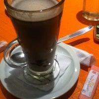 Foto tomada en Qb Resto - Café por Flor P. el 8/31/2014