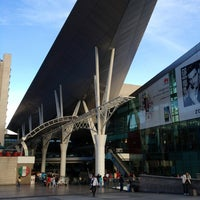 Foto tirada no(a) Millennium Mall por Ramon C. em 5/25/2013