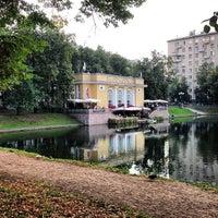 Снимок сделан в Патриаршие пруды пользователем Sergey L. 8/20/2013