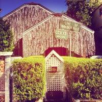 Foto scattata a Beer Can House da Michael B. il 10/27/2012
