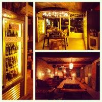 Das Foto wurde bei Alphabet City Beer Co. von Emily W. am 11/3/2012 aufgenommen