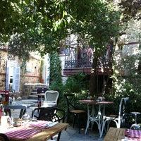 Das Foto wurde bei Il Vicino Pizzeria von Gülşah Ş. am 10/16/2013 aufgenommen