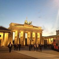 4/25/2013 tarihinde Sanjeet Raj P.ziyaretçi tarafından Brandenburg Kapısı'de çekilen fotoğraf