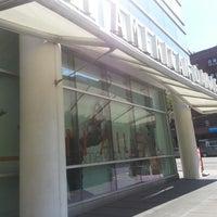 9/8/2013 tarihinde Joseph T.ziyaretçi tarafından The Ailey Studios (Alvin Ailey American Dance Theater)'de çekilen fotoğraf