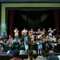 Foto scattata a Old Town School of Folk Music da oma t. il 7/13/2013