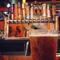 Foto tomada en Cheesie's Pub and Grub por Caitlin S. el 7/13/2013