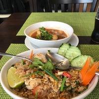 Das Foto wurde bei Vee's Bistro - Thai Food - Take away von Paul C. am 6/28/2018 aufgenommen