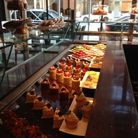 รูปภาพถ่ายที่ Brasserie Pushkin โดย Yomaylin F. เมื่อ 9/17/2012