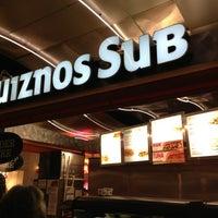 Foto scattata a Quiznos da Stefan il 12/24/2012