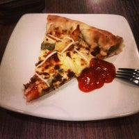Снимок сделан в Pizza Hut пользователем Apriyandi &. 7/20/2013