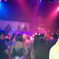 Das Foto wurde bei Oasis Night Life von Humberto A. am 2/24/2013 aufgenommen