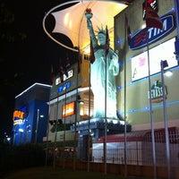 Foto tirada no(a) New York City Center por Rodrigo D. em 11/1/2012