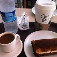 9/29/2013에 Cem E.☀님이 Starbucks에서 찍은 사진