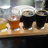 Foto tomada en Grand River Brewery por Jason D. el 5/9/2014