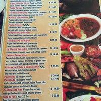 รูปภาพถ่ายที่ Mi Pueblito Restaurant Bar & Grill โดย Jenny M. เมื่อ 6/7/2016