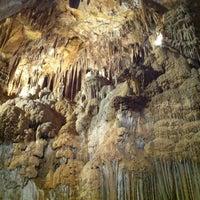 10/7/2012 tarihinde Ali C.ziyaretçi tarafından Lake Shasta Caverns'de çekilen fotoğraf