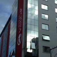 Foto tirada no(a) Hotel Vinocap por Matheus M. em 5/26/2013