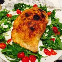 Das Foto wurde bei Pizza Oro von Pizza Oro am 10/16/2015 aufgenommen