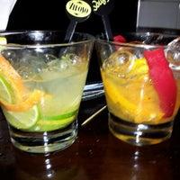 9/29/2012 tarihinde Rafa C.ziyaretçi tarafından Veloso Bar'de çekilen fotoğraf