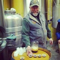 Снимок сделан в Cascade Brewing Barrel House пользователем Shanon P. 2/16/2013
