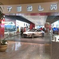 Photo taken at Scottsdale Fashion Square by Michael C. on 10/7/2012